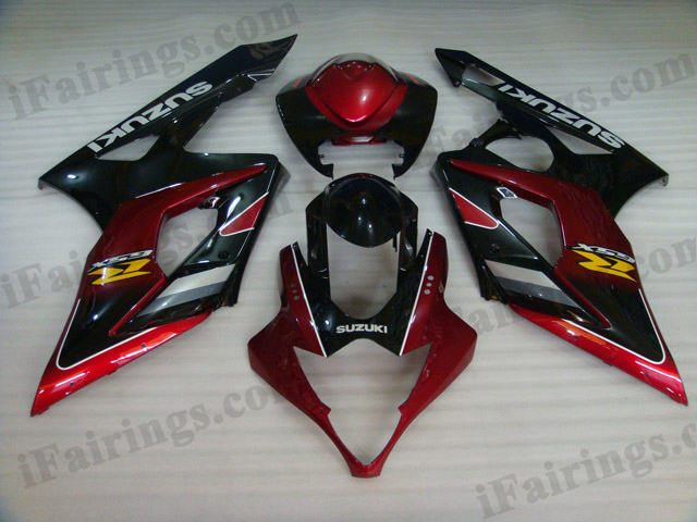 2005 2006 Suzuki GSXR1000 red and black fairing kits.