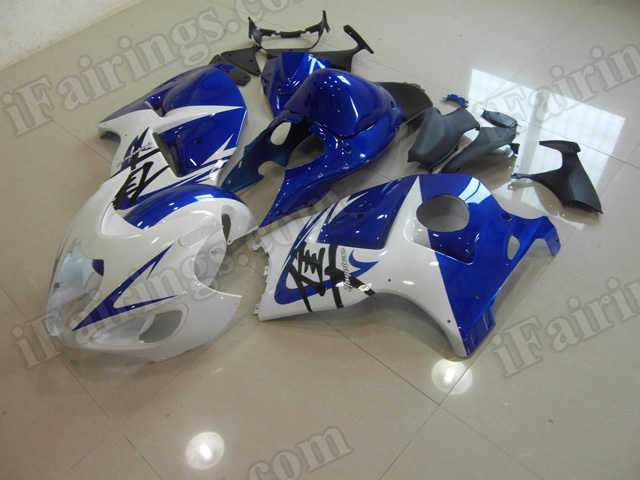 Motorcycle fairings/body kits for 1999 to 2007 Suzuki Hayabusa GSXR 1300 white and blue.