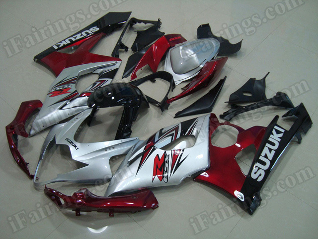 Motorcycle fairings/body kits for 2005 2006 Suzuki GSXR 1000 silver, red and black.