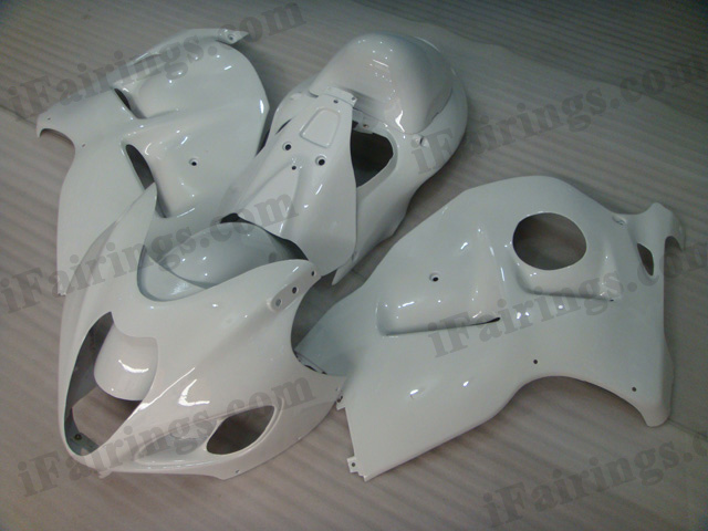 Suzuki GSXR1300 Hayabusa 1999 to 2007 pearl white fairing kits.