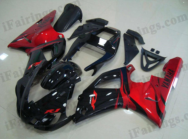 1998 1999 YZF-R1 black and red fairings