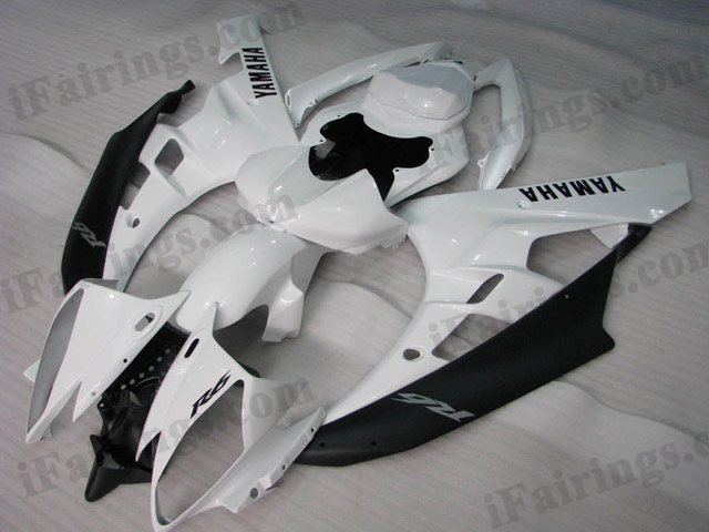 2006 2007 YZF R6 white and black fairings