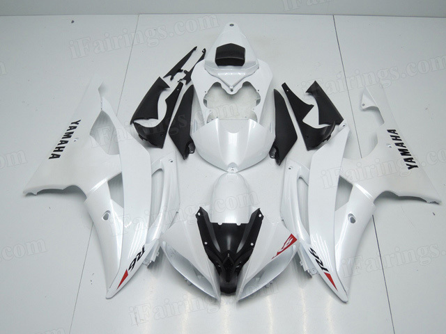 2008 to 2015 Yamaha YZF R6 pearl white fairing kits.