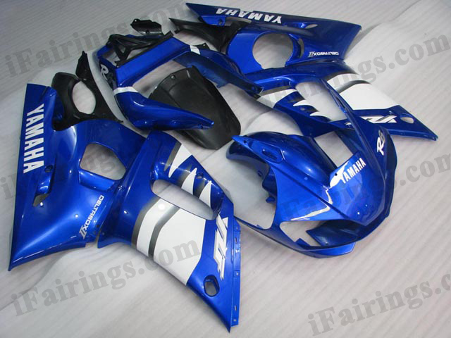 Aftermarket fairings for 1999 to 2002 YZF R6 blue graphics.