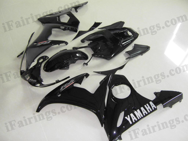 aftermarket fairings for 2003 2004 2005 YZF R6 glossy black scheme.