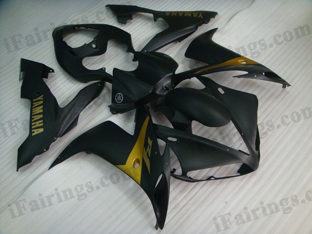 Aftermarket fairings for 2004 2005 2006 YZF R1 matt black scheme.