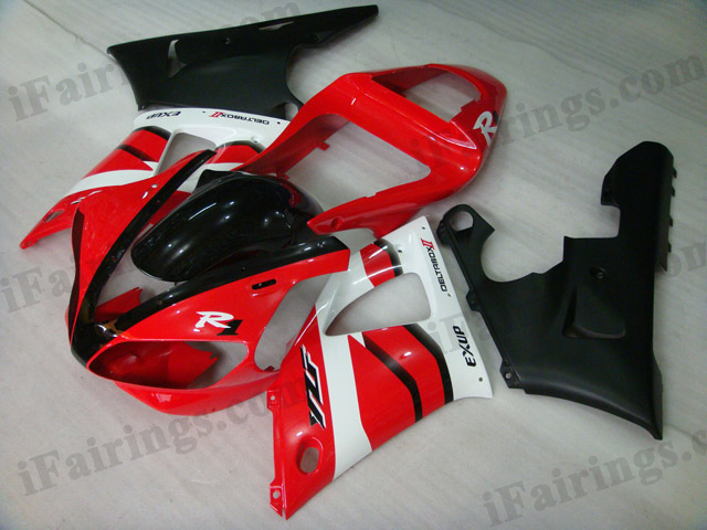 Custom fairings for 2000 2001 YZF R1 red and matt black graphic.