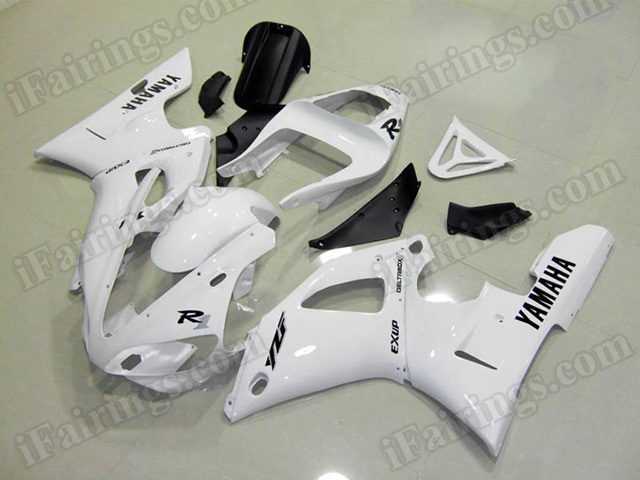 Motorcycle fairings/body kits for 2000 2001 Yamaha YZF R1 white.