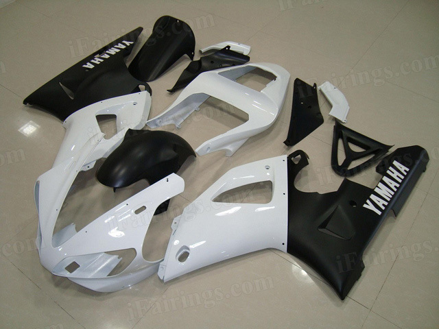 Motorcycle fairings/body kits for 2000 2001 Yamaha YZF R1 white and black fairings.