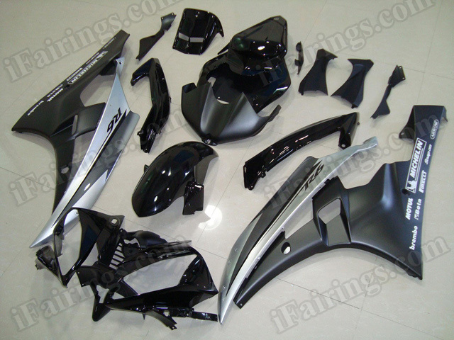 Motorcycle fairings/body kits for 2006 2007 Yamaha YZF R6 black and silver.