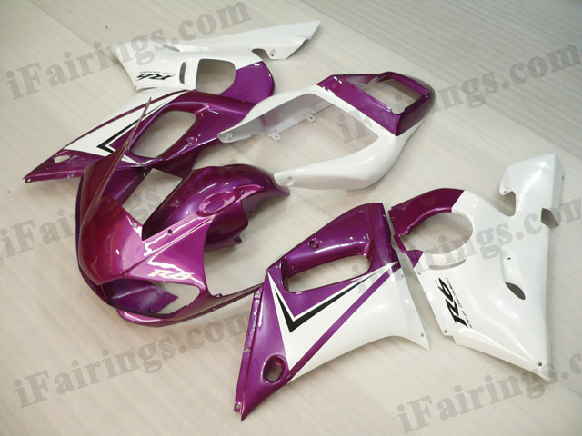 Replacement fairings for 1999 to 2002 YZF R6 pink/white graphics.