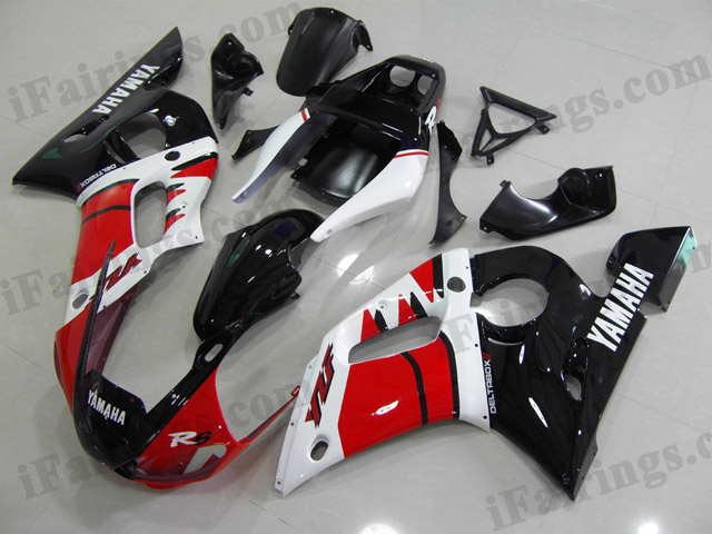 Replacement fairings for 1999 to 2002 YZF R6 red/white/black scheme.