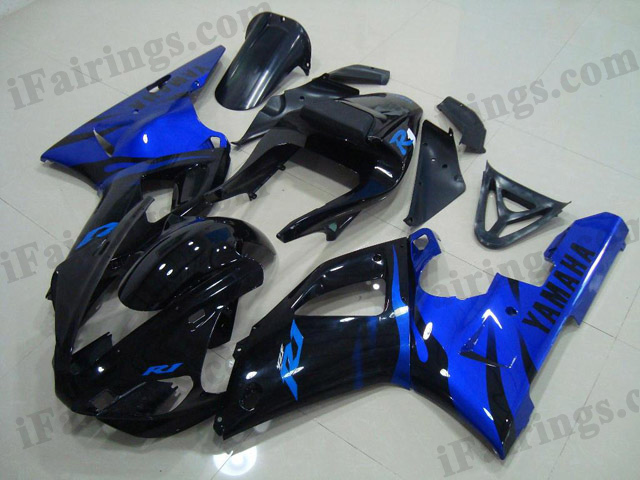 Replacement fairings for 1998 1999 YZF R1 candy blue/glossy black flame scheme.