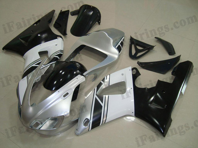 replacement fairings for 1998 1999 YZF R1 silver/black scheme.