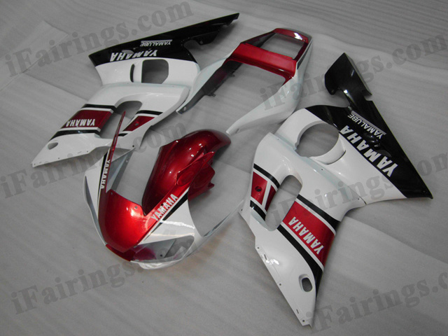 YZF-R6 1999 to 2002 red, white and black fairings, R6 replacement body kits.