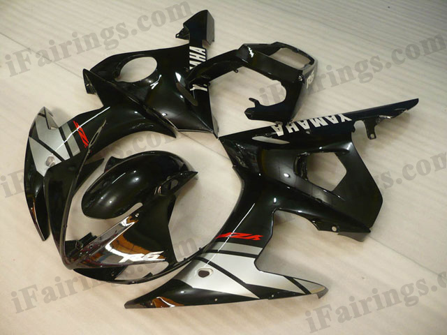 YZF-R6 2003 2004 2005 black and silver fairings, 2003 2004 2005 R6 graphic.