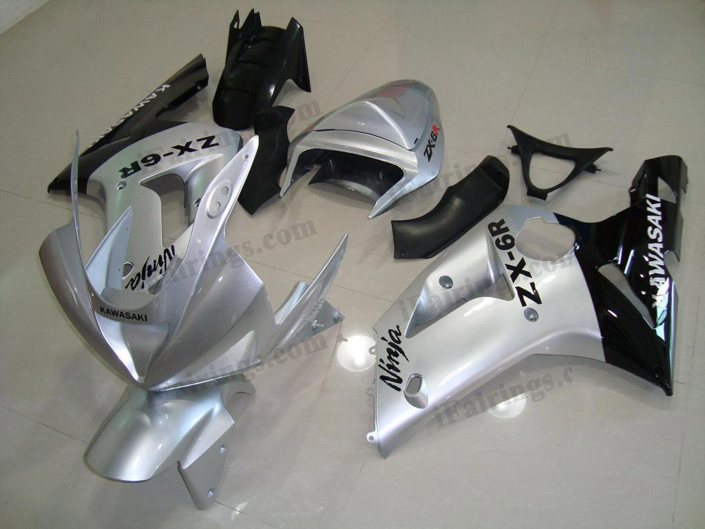 2003 2004 Kawasaki ZX6R Ninja silver and black fairing kits.