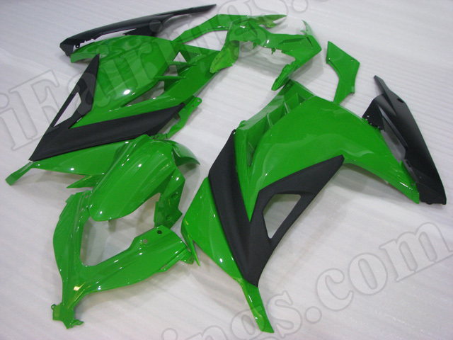 Motorcycle fairings for Kawasaki 2013 2014 2015 Ninja 300 green and black.