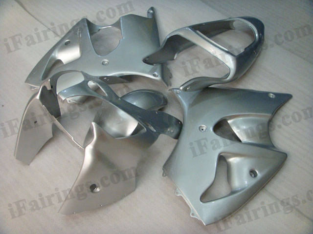 Motorcycle fairings for Kawasaki Ninja ZX6R 2000 2001 2002 all silver.