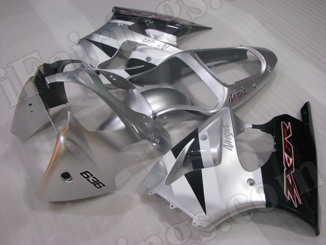 Motorcycle fairings for Kawasaki Ninja ZX6R 2000 2001 2002 silver and black.