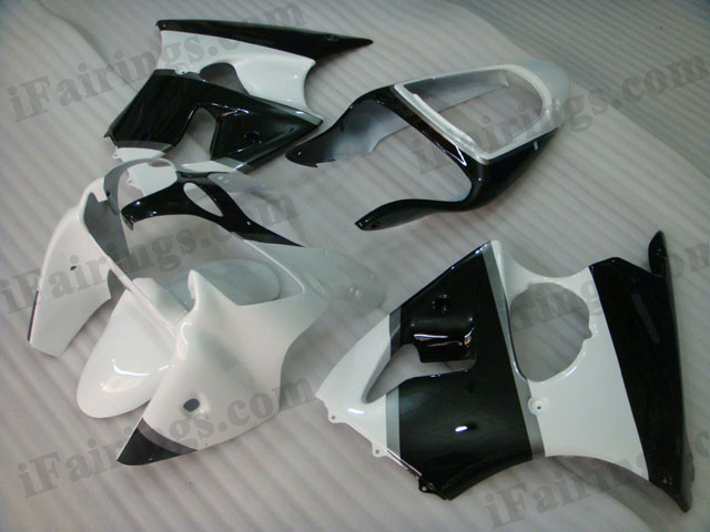 Motorcycle fairings for Kawasaki Ninja ZX6R 2000 2001 2002 white and black.