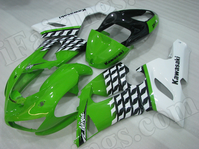 Motorcycle fairings/bodywork for Kawasaki 2005 2006 Ninja ZX6R green and white.