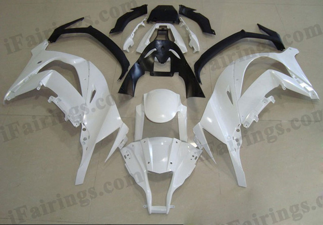 Motorcycle fairings/bodywork for 2011 to 2015 Kawasaki Ninja ZX10R white and black.