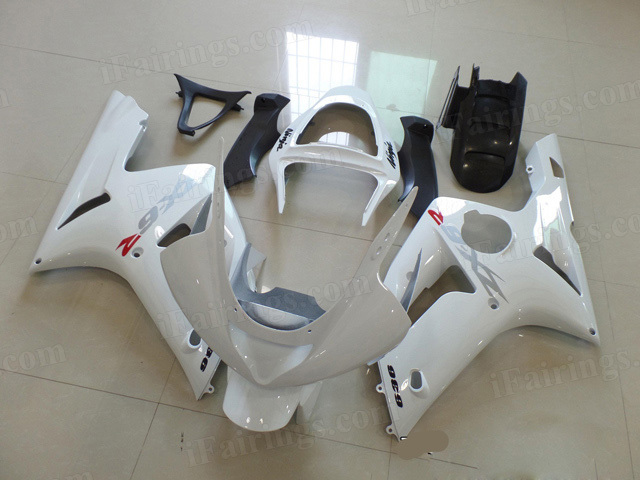 Motorcycle fairings/bodywork for Kawasaki Ninja ZX6R 2003 2004 pearl white.