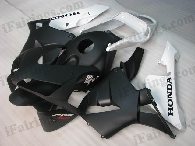 2003 2004 CBR600RR matt white and matt black fairing kits.