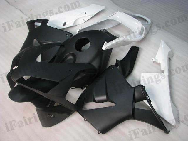 2003 2004 CBR600RR matt white and matt black fairings.
