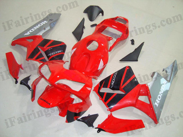 2003 2004 CBR600RR red,silver and black fairings.
