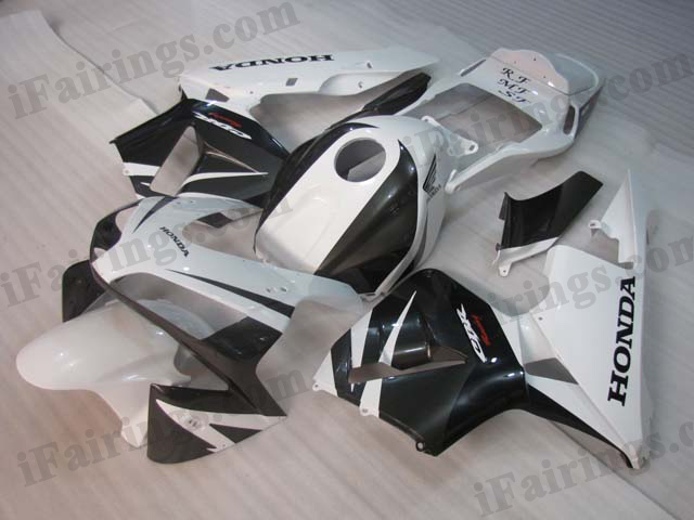 2005 2006 CBR600RR white and black body kits.