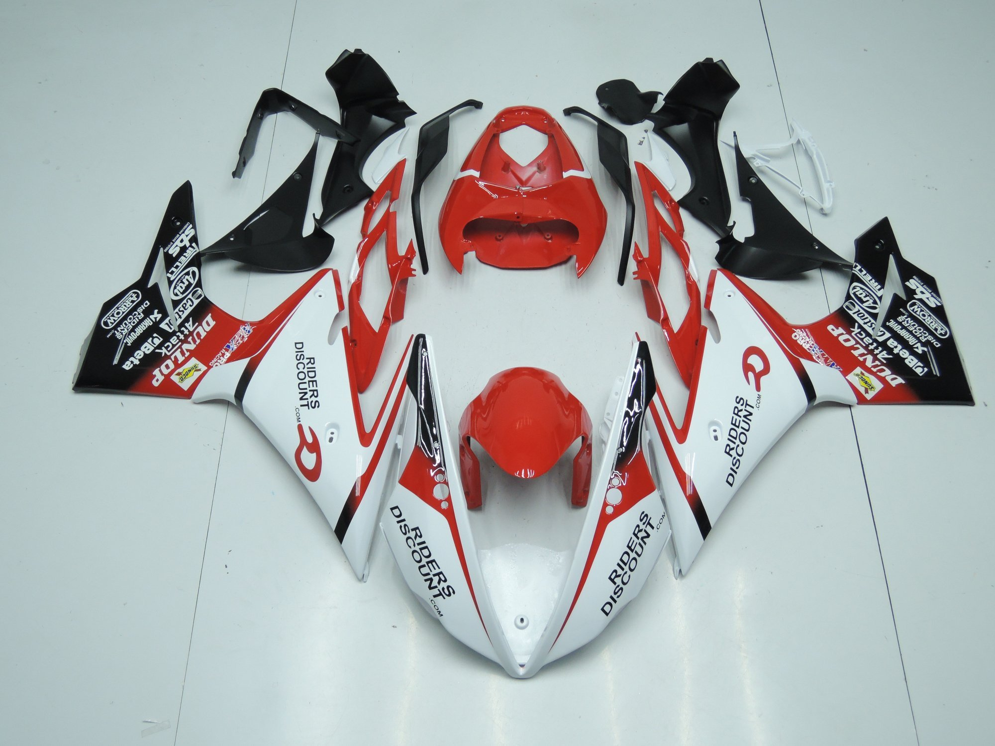 TRIUMPH DAYTONA 675 2013 2014 RED WHITE AND BLACK