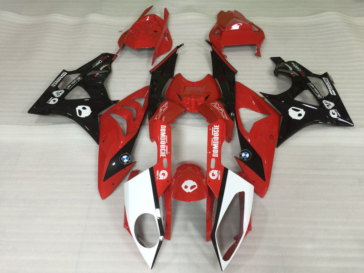 2009 2010 2011 2012 2013 2014 BMW S1000RR red and black fairing set.