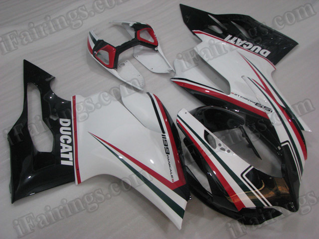 Ducati 899/1199 Panigale tricolored nero fairing kits.