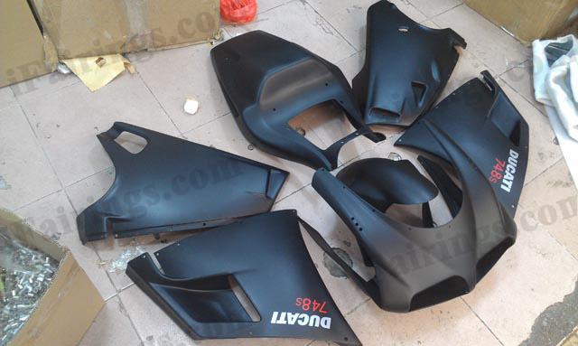 aftermarket fairing and body kits for Ducati 748 916 996 flat black.