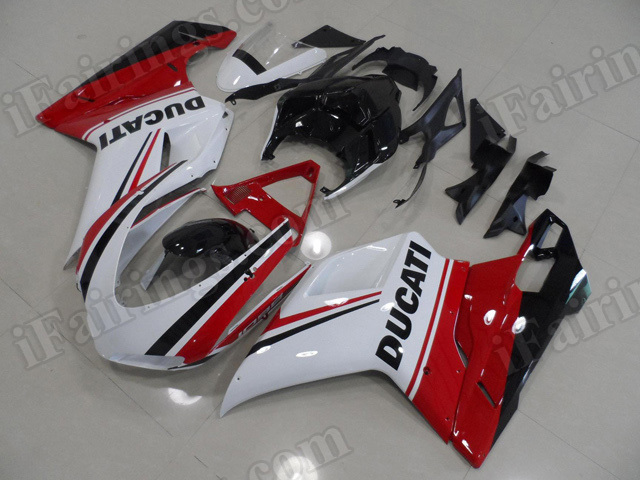 Motorcycle fairings/bodywork for Ducati 848/1098/1198 tricolor special edition.