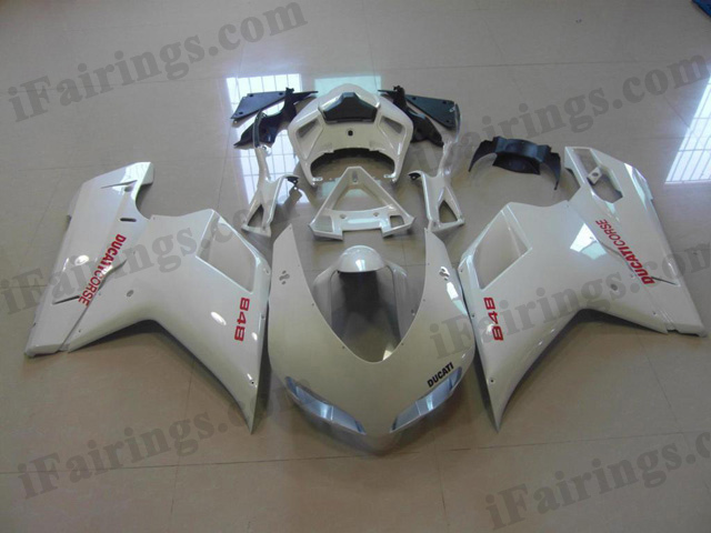 aftermarket fairing kit for Ducati 848/1098/1198 pearl white.