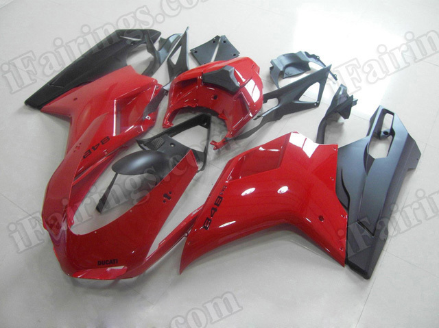 Motorcycle fairings for Ducati 848/1098/1198 red and black.