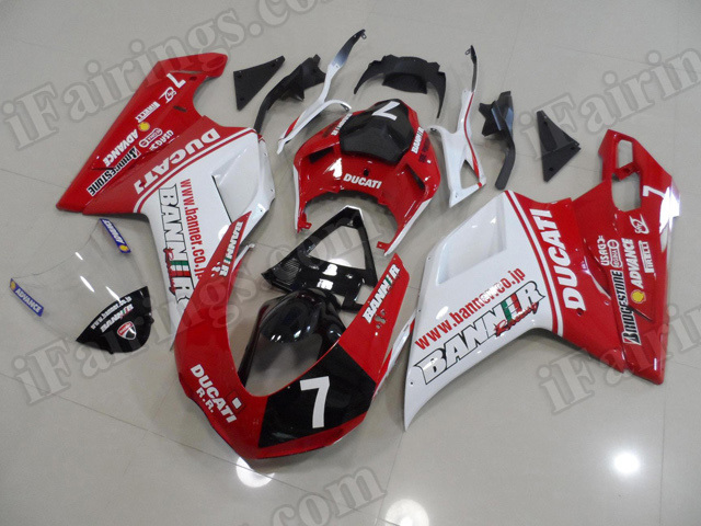 aftermarket fairings/bodywork for Ducati 848/1098/1198 red and white scheme.