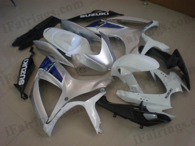 2006 2007 GSXR600/750 white and silver fairings, 2006 2007 GSXR600/750 white/silver graphics.